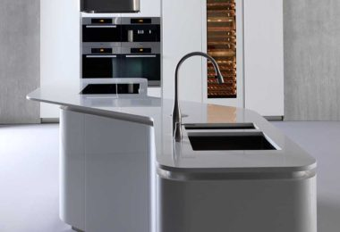 Effeti's curved Sinuosa kitchen island