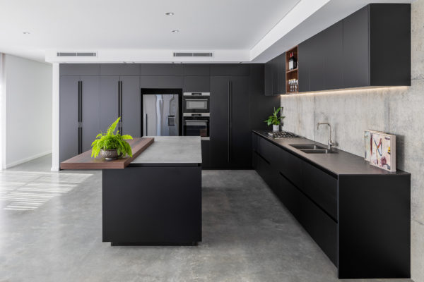 black kitchen Retreat Design